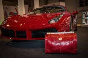 Какого цвета должна быть мужская сумка?