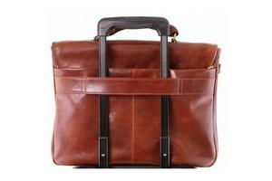 Какие сумки можно закрепить на выдвижной ручке чемодана, саквояжа или кейс-пилота?