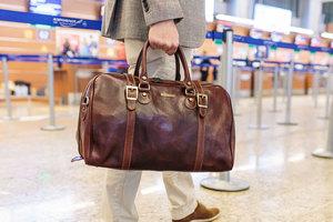 Как могут носиться мужские сумки?